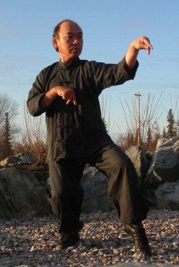 photo of Master Wong in Mantis stance